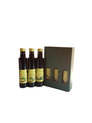 Pachet cadou produse ecologice pe baza de aronia, sticle 250 ml.